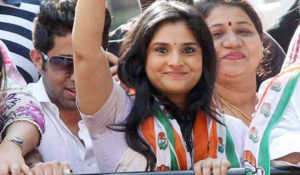 Meet Indian Female Politicians not less Bollywood Heroines